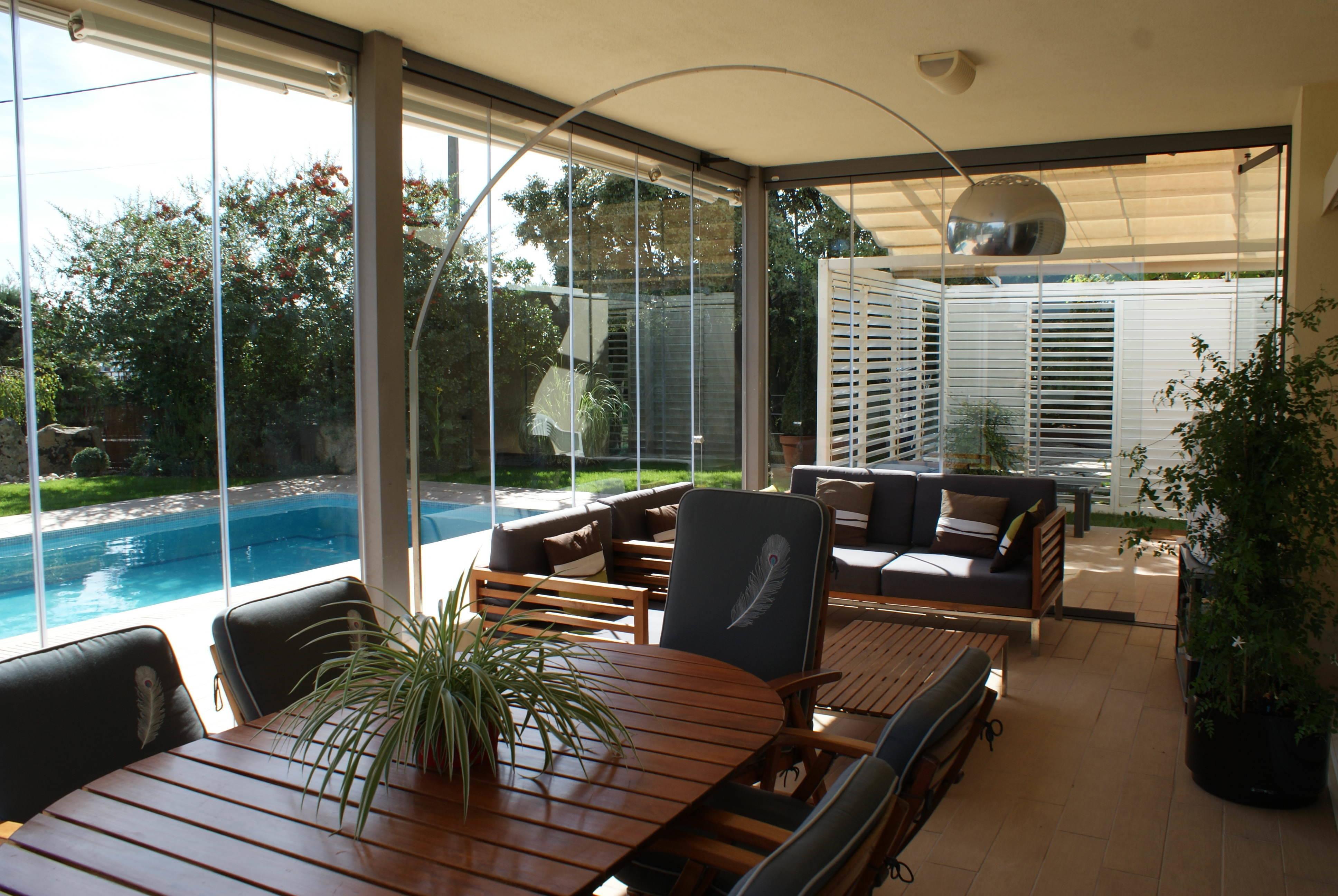 Fraimar aluminios s l techos cortinas de cristal y cerramientos de aluminio en madrid - Decorar un porche cerrado ...